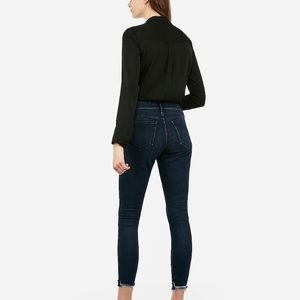 Mid rise perfect curves raw hem ankle length jeans